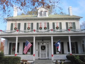 TX Treats - Christmas TX House